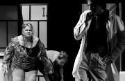 Zuzka v roli Madam Jouvance ve hře UDĚLÁTE MNĚ TO ZNOVA? - r. 2010
