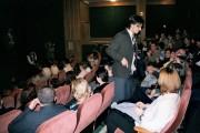 Patrikova první improvizace s divákem ve hře ŽEBRÁCKÁ OPERA - r. 2003