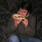 Patrik pózuje s koláčem :)
